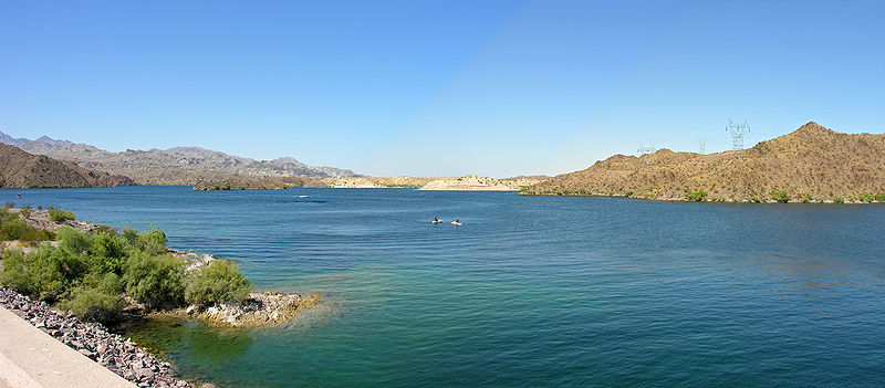 800px-Lake_Mohave_1